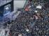 Peregrinos esperam a chegada do papa ao palco de Copacabana (Foto: Sergio Moraes / Reuters)