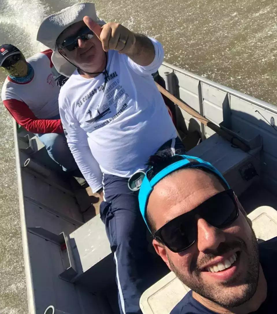 Filho fez questão de registrar selfie com pai, no primeiro fim de semana que pescariam juntos